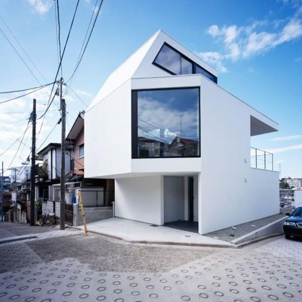 Mẫu nhà phố 3 tầng trên một sườn đồi ở Tokyo , Nhật Bản.