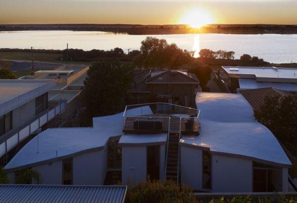 Mẫu thiết kế biệt thự đẹp hướng ra sông ở Perth, Australia. 5