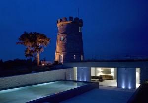 Thiết kế biệt thự đẹp ẩn dưới tòa tháp tròn ở Anh