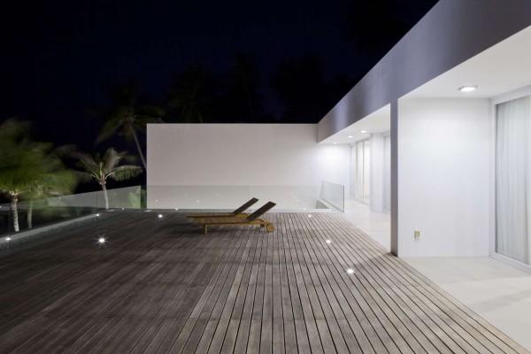 Thiết kế biệt thự cạnh biển mát mẻ với nội thất sang trọng [10]