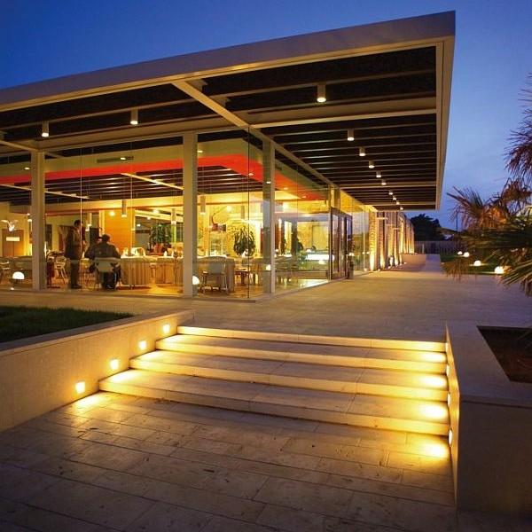 Thiết kế biệt thự sân vườn có bể bơi ở Ragusa, Sicily, Ý 2