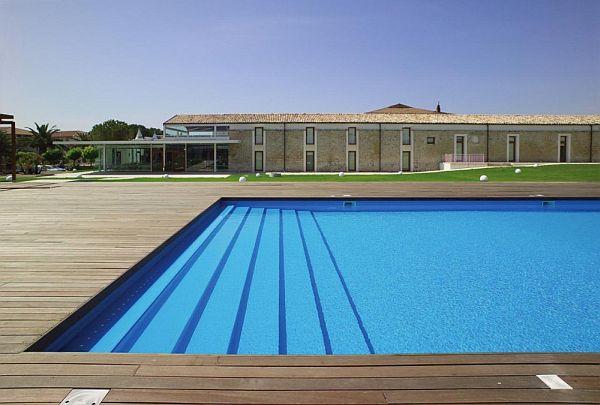 Thiết kế biệt thự sân vườn có bể bơi ở Ragusa, Sicily, Ý 4