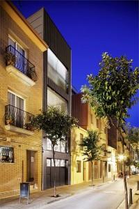 Thiết kế nhà phố hiện đại nhưng đơn giản của gia đình Barcelona