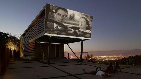 Mẫu nhà phố tuyệt đẹp has rạp phim ngoài trời at Hollywood Hills 2