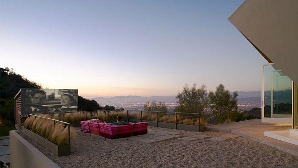 Mẫu nhà phố tuyệt đẹp có rạp phim ngoài trời ở Hollywood Hills 3
