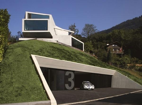 Thiết kế biệt thự phố mái dốc là và độc đáo