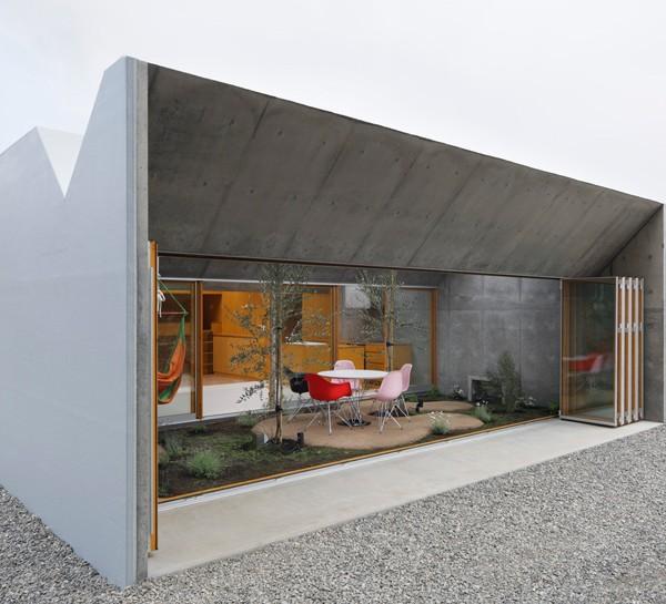 Thiết kế nhà phố có không gian tươi mát ở Nhật Bản