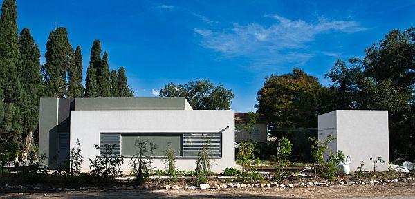 Thiết kế nhà phố đẹp tầng trệt vuông vắn ở Emek, Israel 3