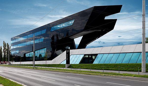 Thiết kế nhà phố ở Áo có cái tên Trụ sở Đen 3