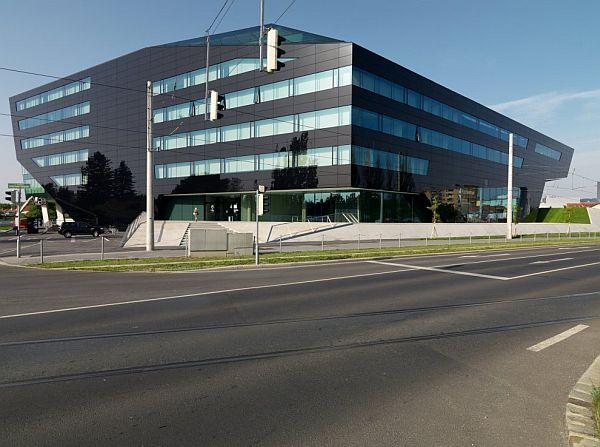 Thiết kế nhà phố ở Áo có cái tên Trụ sở Đen